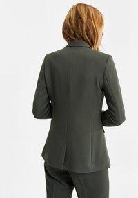 WE Fashion - Blazer - moss green - 2