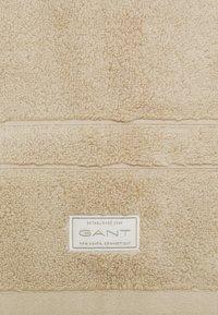 GANT - PREMIUM TOWEL - Other - dry sand - 3