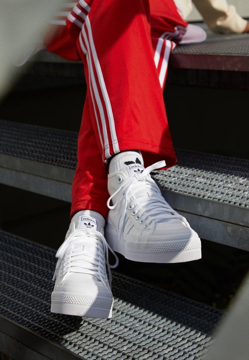 Monarquía ejemplo repetición  adidas Originals NIZZA PLATFORM MID - Sneakers high - footwear white/hvid -  Zalando.dk