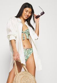 Esprit - PANAMA BEACH - Bikini top - light khaki - 3