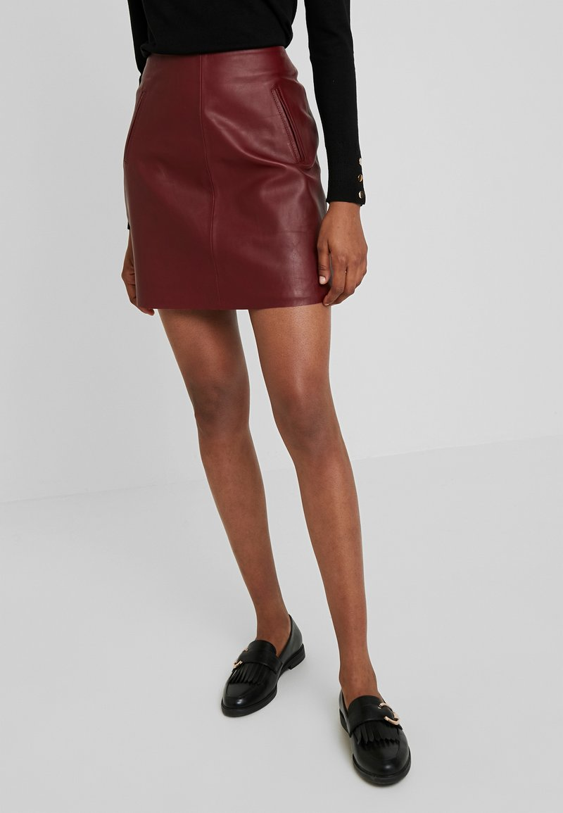 Selected Femme - SLFNINI SKIRT - Leather skirt - cabernet