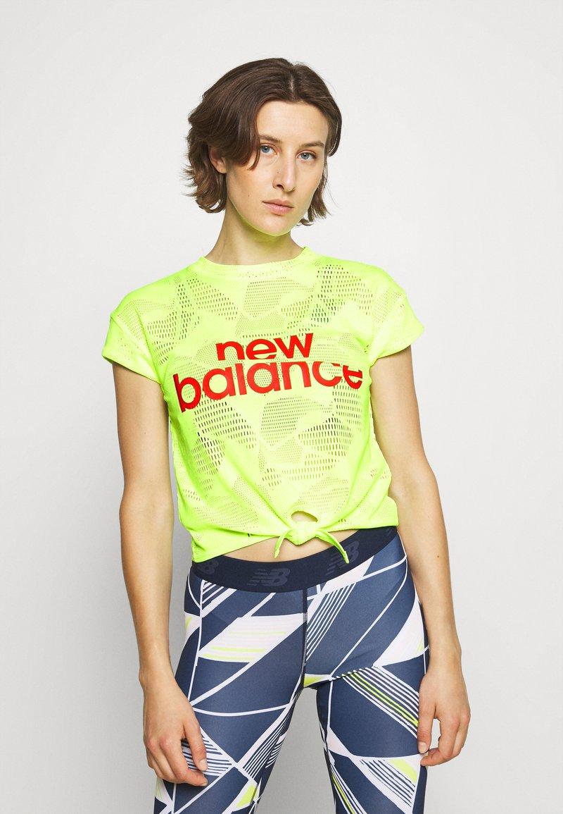 New Balance - ACHIEVER COLLIDE TEE - Koszulka sportowa - bleached lime glo