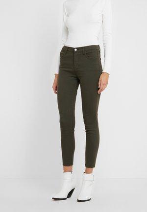 LUX SATEEN ALANA - Jeans Skinny Fit - pistachio