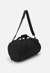 Pier One - UNISEX - Sportovní taška - black - 1