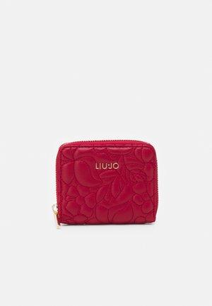 ZIP AROUND - Wallet - glossy red