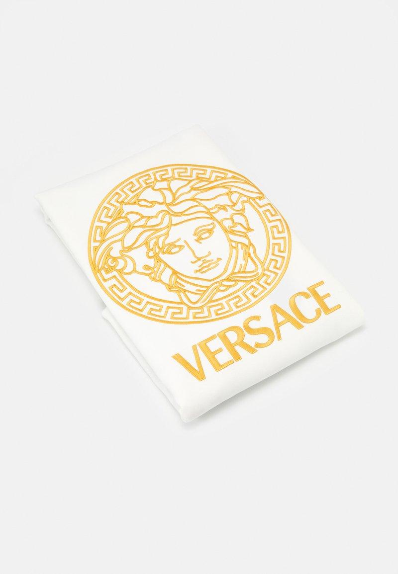 Versace - COPERTA DA ESTERNO UNISEX - Dětská deka - bianco/oro