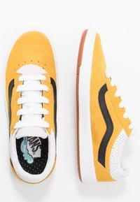 Vans - CRUZE - Sneakersy niskie - mango mojito/black - 1