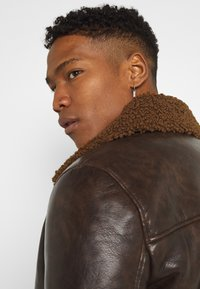 Brave Soul - PITTSBURGH - Faux leather jacket - brown - 3