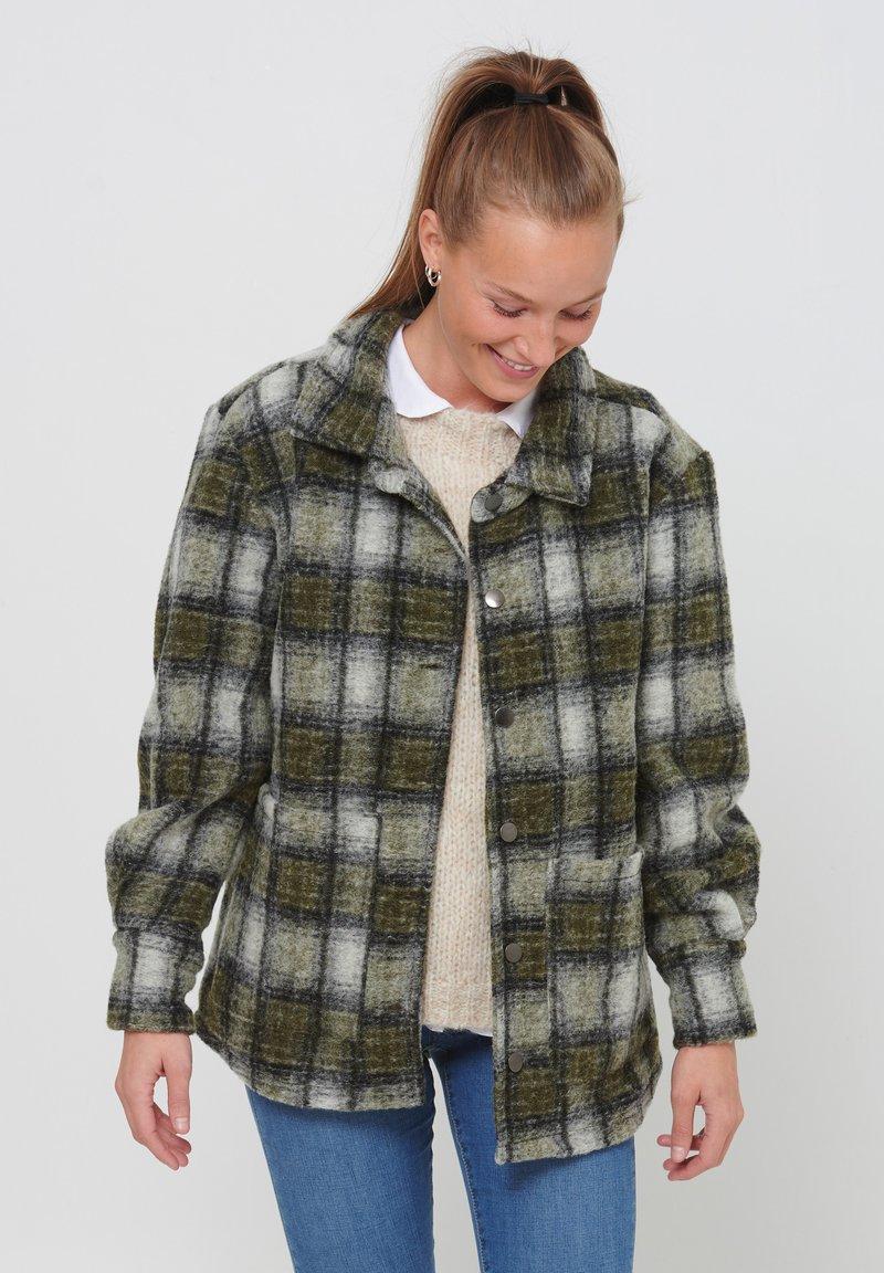 Noella - VIKSA - Short coat - grey green