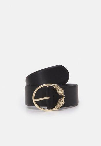 PCTHILDA WAIST BELT  - Waist belt - black/gold-coloured