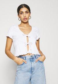 Monki - NILLAN - Camiseta estampada - white - 0