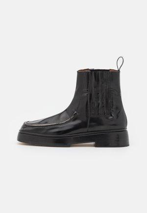 LEAH BOOT - Kotníkové boty na platformě - black/silver
