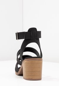 Rubi Shoes by Cotton On - HARRIS STACK HEEL - Sandalias - black - 5