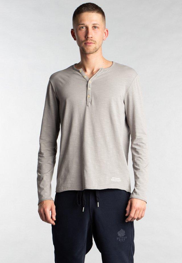 Basic T-shirt - 3914 shark