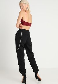 Missguided - CHAIN DETAIL CARGO TROUSERS - Pantaloni cargo - black - 3