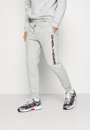 V-EXL FAMILY MOMENT LOGO JOGGER - Tracksuit bottoms - light heather grey