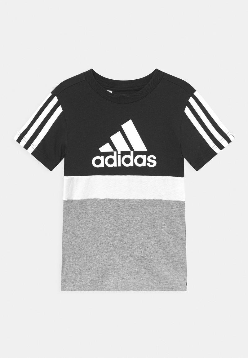 adidas Performance - COLORBLOCK ESSENTIALS UNISEX - Triko spotiskem - black/medium grey heather/white