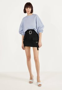Bershka - MIT GÜRTEL  - A-line skirt - black - 1