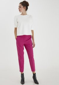 ICHI - IXLEXI - Trousers - fuchsia red - 1