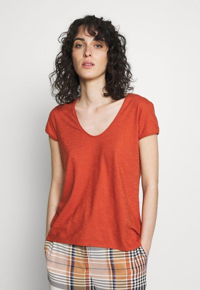 AVIVI - Basic T-shirt - rost