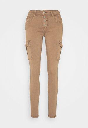 ONLMARYA PINARA LIFE PANT - Pantalones cargo - toasted coconut