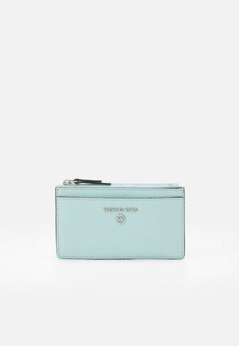 JET SET CHARM SLIM CARD CASE - Peněženka - fair aqua