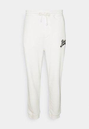 BOSS X RUSSELL ATHLETIC JAFA - Teplákové kalhoty - open white