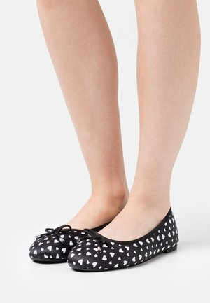 WIDE FIT ILKLEY - Ballet pumps - black