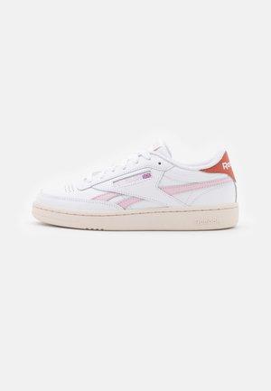 CLUB C REVENGE - Sneakers laag - footwear white/frost berry/baked earth