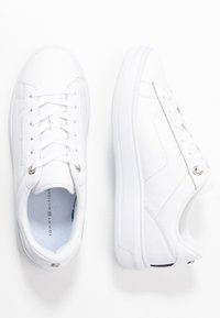 Tommy Hilfiger - CUPSOLE - Trainers - white - 3