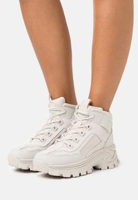 Skechers Sport - STREET BLOX - Ankle boots - offwhite - 0
