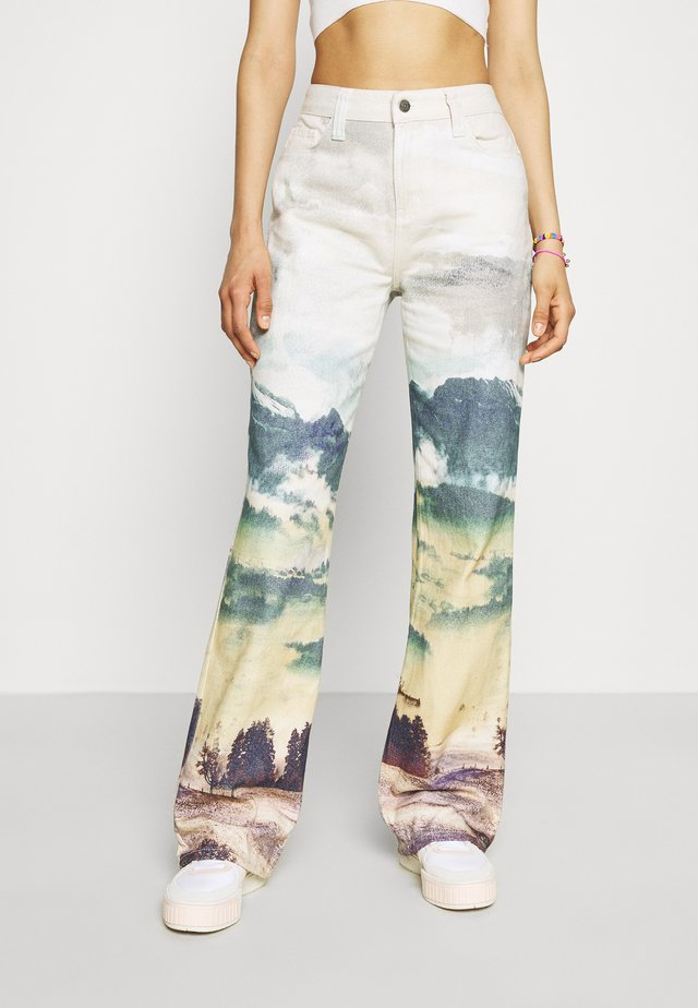 PRINTED SLOUCHY LANDSCAPE PRINT - Relaxed fit jeans - multi