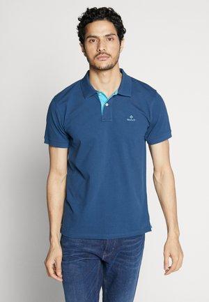 CONTRAST COLLAR RUGGER - Poloshirt - yankee blue