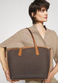 MICHAEL Michael Kors - JANE TOTE - Handbag - acorn - 0