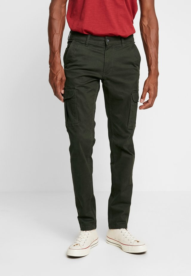 MOTO WINT - Cargo trousers - green forest