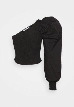 ONE SHOULDER PUFFY SLEEVE SMOCKED - Bluser - black
