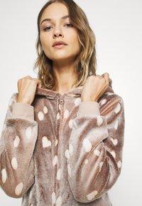 Loungeable - REINDEER LUXURY ONESIE ANTLER - Pyjama - brown - 5
