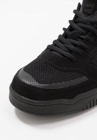 Globe - TILT EVO - Sneakersy niskie - triple black - 5