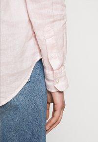 Polo Ralph Lauren - PIECE DYE - Button-down blouse - hint of pink - 6