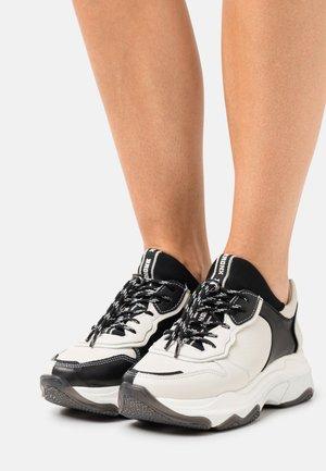 BAISLEY - Sneakersy niskie - off white/black