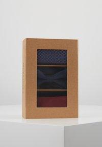 Jack & Jones - JACFREDERIK GIFT BOX SET - Fazzoletti da taschino - port royale - 4