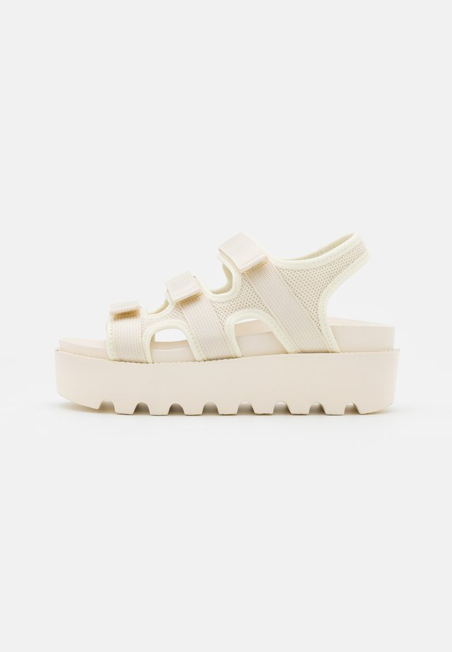 VEGAN KATO PADDED CHUNKY - Sandales à plateforme - offwhite