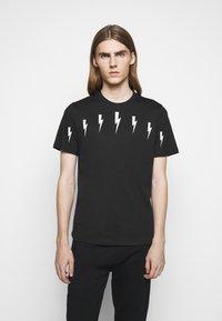Neil Barrett - HALO BOLTS - T-shirts med print - black/white - 0