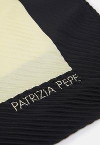 Patrizia Pepe - FOULARD - Foulard - ivory\black - 1