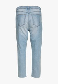 Cotton On Curve - CURVE TAYLOR MOM - Relaxed fit jeans - blue rip - 1