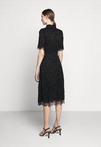 Elisabetta Franchi - Skjortklänning - nero - 2