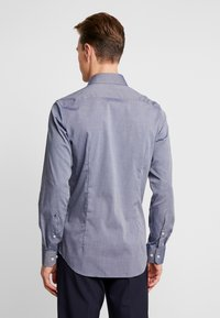Seidensticker - SLIM FIT SPREAD KENT PATCH - Formal shirt - dark blue - 2
