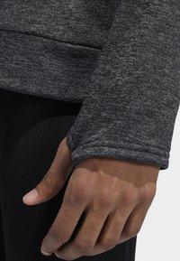 adidas Performance - OWN THE RUN 3-STRIPES CREW SWEATSHIRT - Fleece jumper - grey - 6