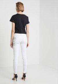 Just Cavalli - PANTALONE - Jeans Slim Fit - white denim - 2