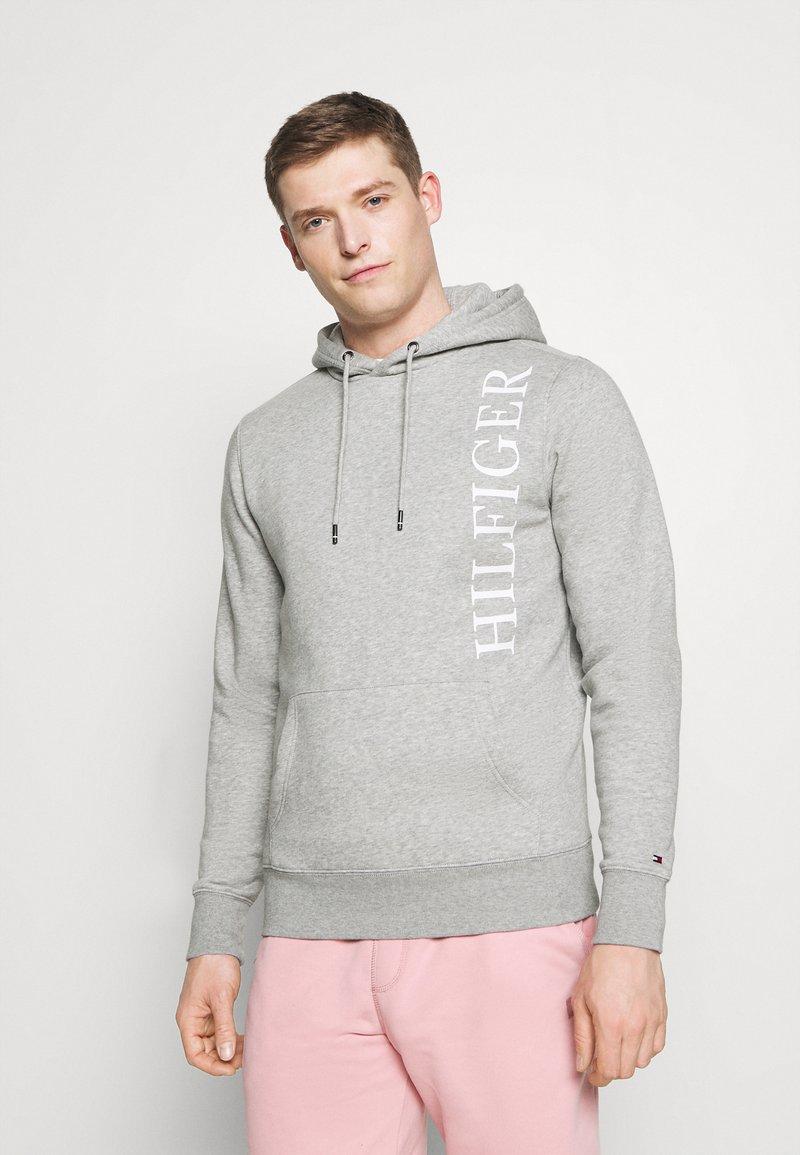 Tommy Hilfiger - HOODY - Sweatshirt - grey